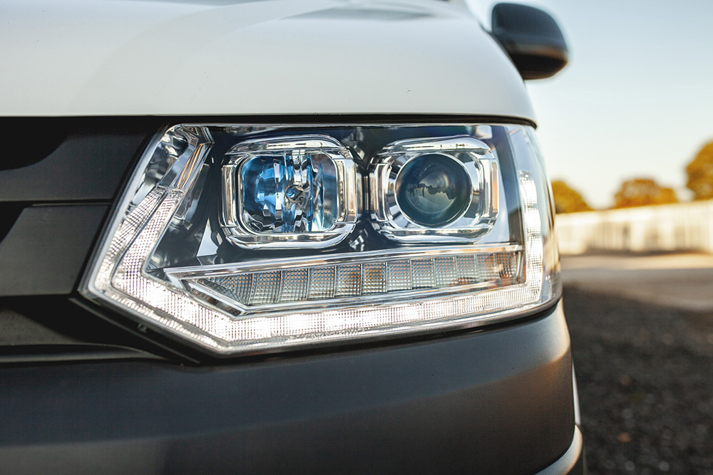 T5 1 LED DRL Sequential / Dynamic Indicator Headlights in